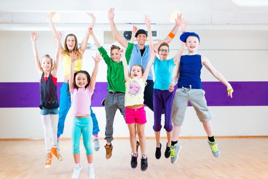 Roztańczone Nastolatki (od 12 lat)-kurs wakacyjny