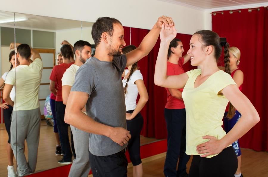 Taniec Użytkowy i Towarzyski - kurs wakacyjny**