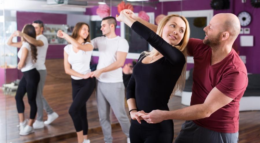 Taniec Użytkowy  i Towarzyski - kurs wakacyjny (a)